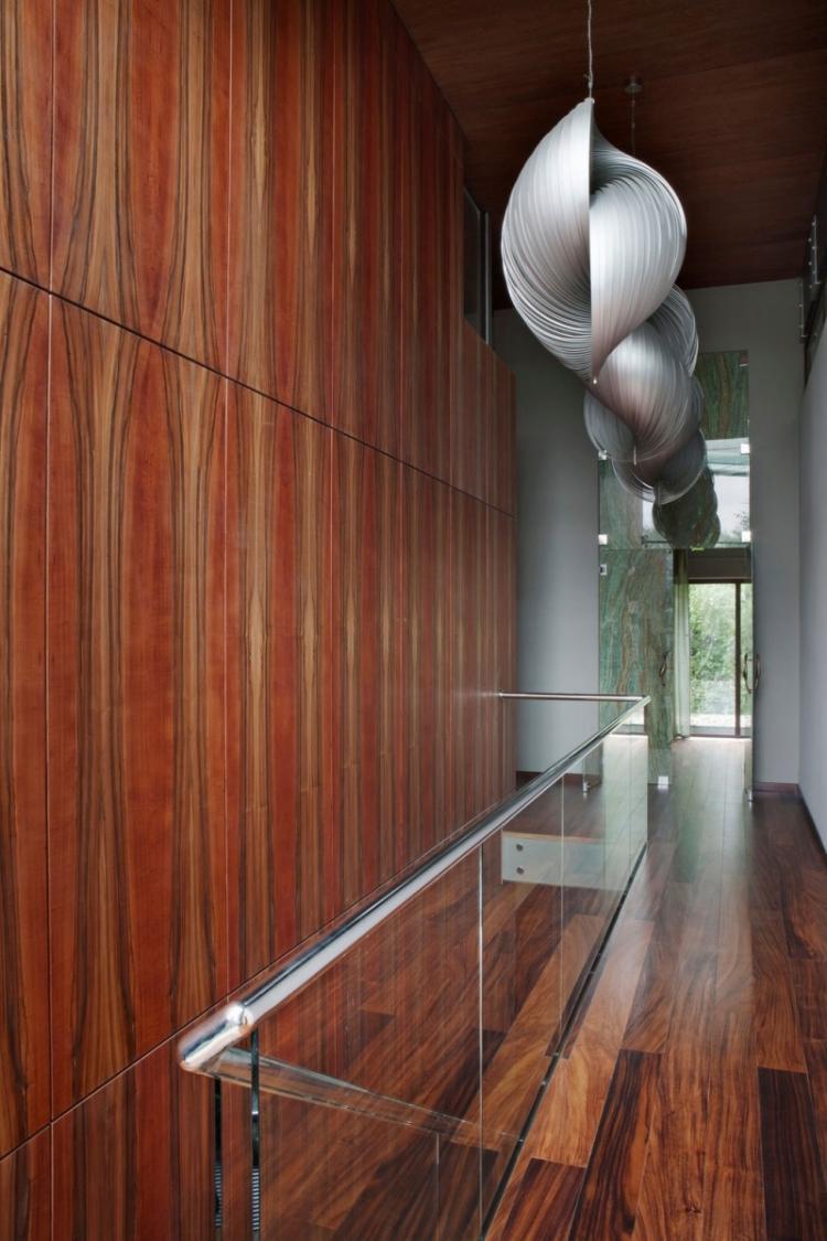 идеи дизайна коридора фото деревянные стеновые панели дизайнерские лампы
