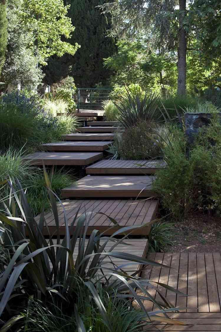 идея садовой деревянной лестницы своими руками ступени квадраты
