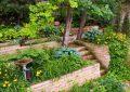 идея садовой каменной лестницы своими руками пышная зелень