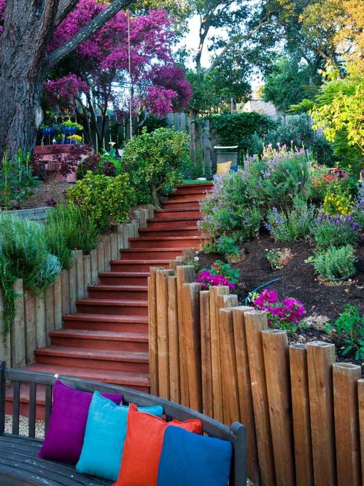 идея садовой лестницы своими руками из дерева