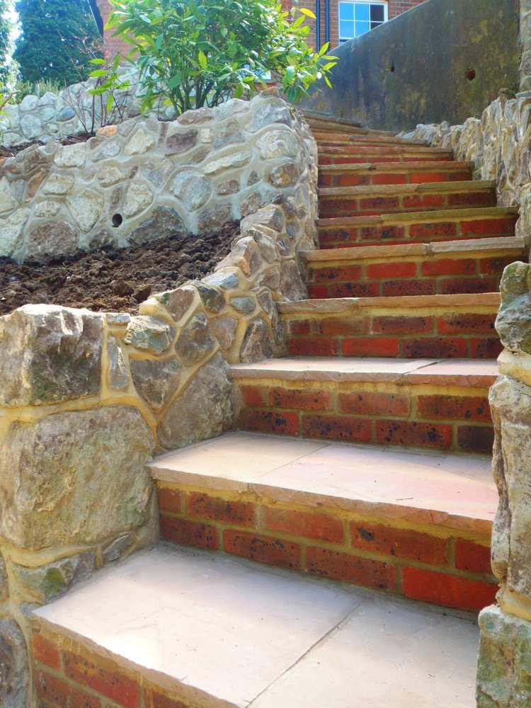 идея садовой лестницы своими руками клинкерный кирпич средиземноморский стиль