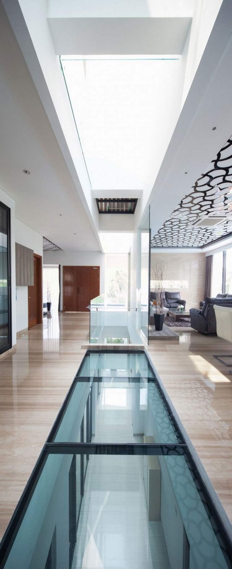 идея современного дизайна потолка фото стеклянный пол и потолок