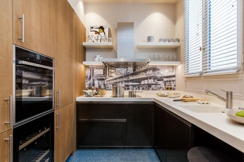 современная кухня белая столешница фото фартук фотообои дерево