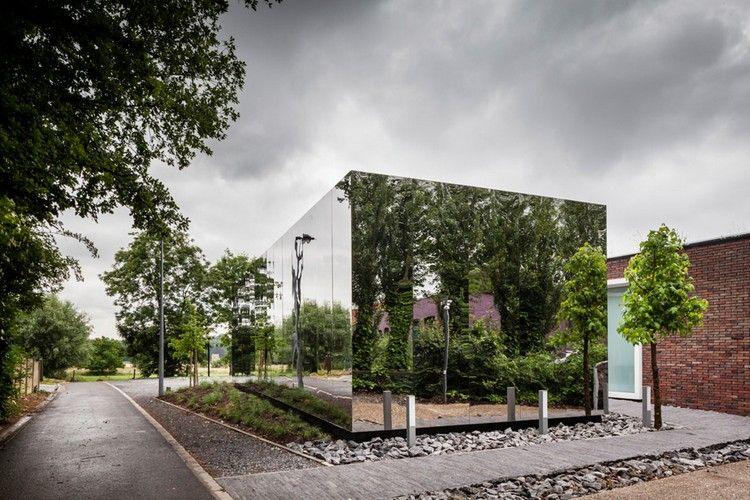 современный фасад зеркальный фото офис в бельгии