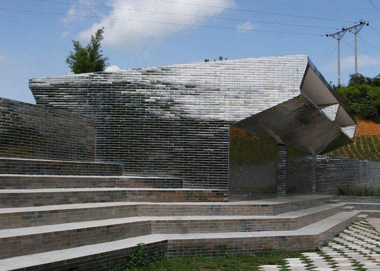 современный фасад зеркальный фото школа в китае кирпич