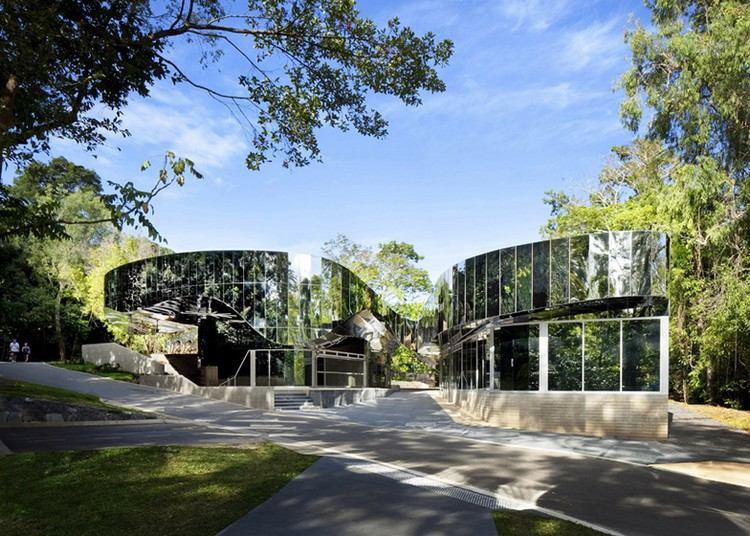 современный фасад зеркальный фото здание в австралийском парке