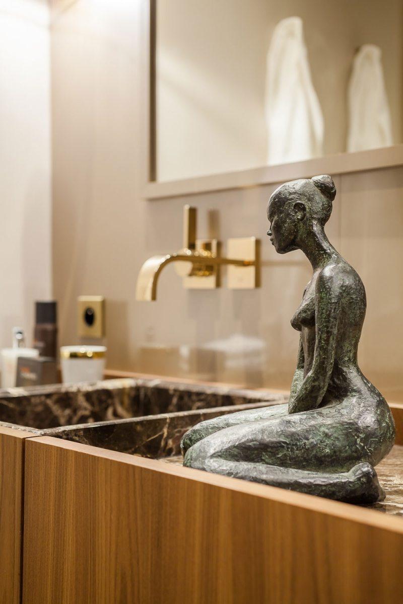 ванная в стиле барокко фото скульптура гранит