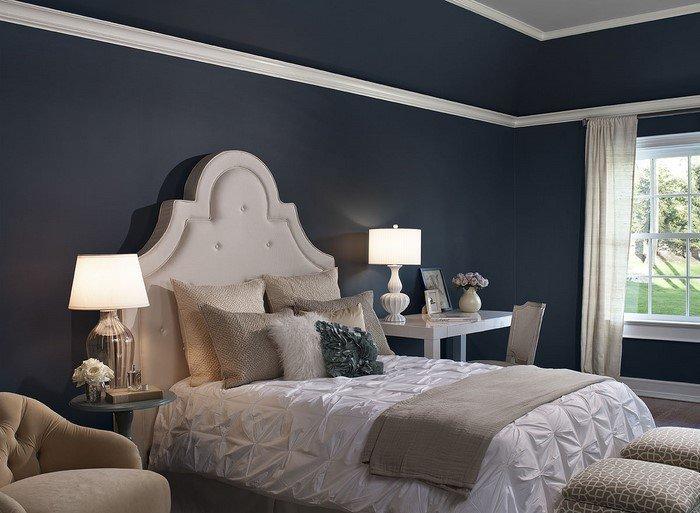 Современные идеи дизайна спальни 2016 фото белая кровать темно серые стены