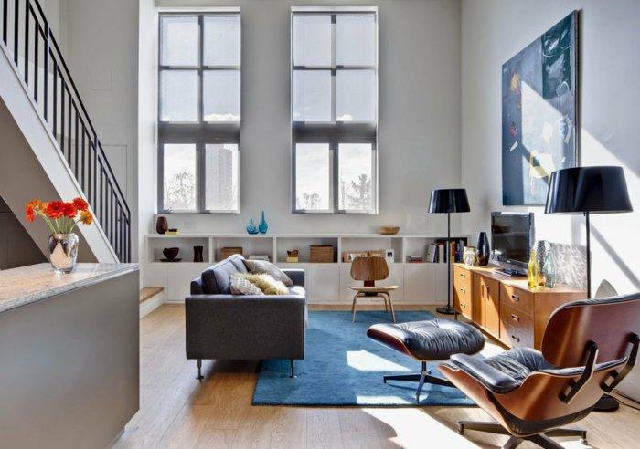 интерьер квартиры в стиле лофт фото гостиная диван ковер