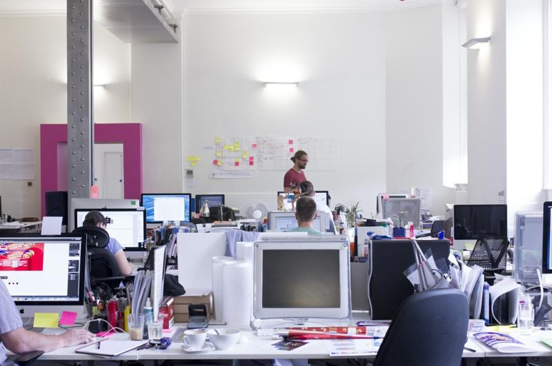 освещение офиса фото led светильники настольные лампы