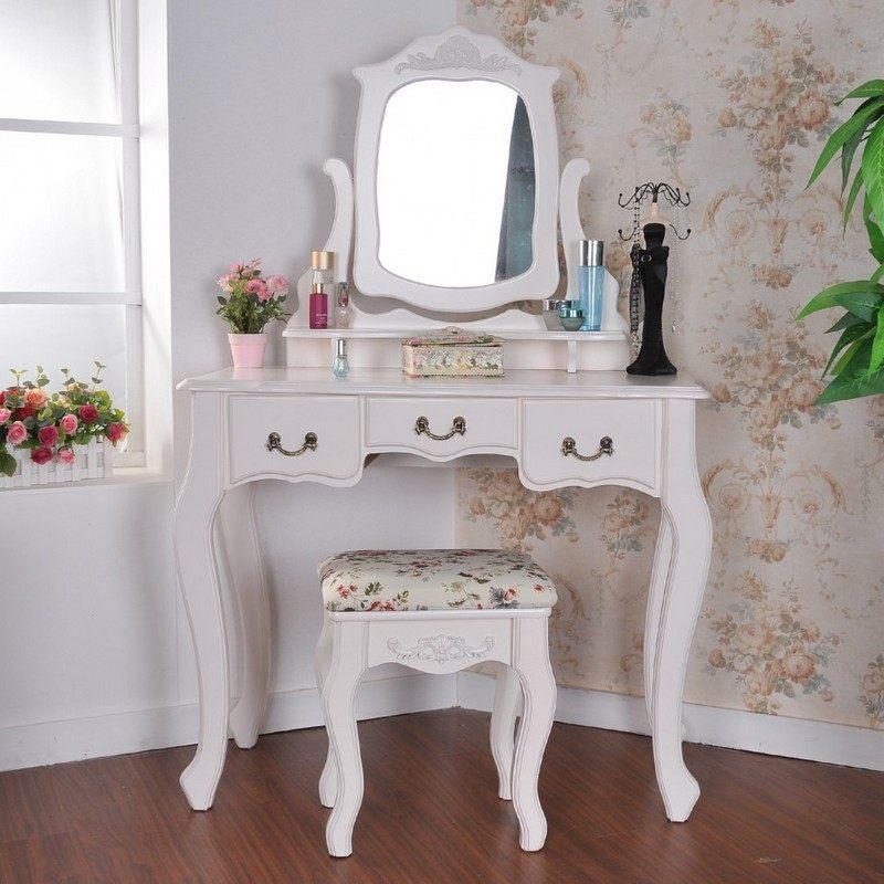 стиль шебби шик в интерьере фото туалетный столик обои с узорами аксессуары