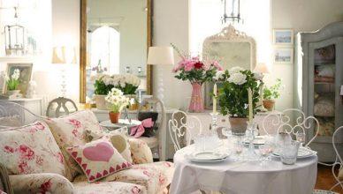 стиль шебби шик в интерьере гостиной фото комнаты железные стулья буфет аксессуары декор
