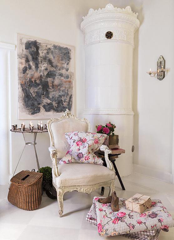 стиль шебби шик в интерьере гостиной фото подушки цветочный узор
