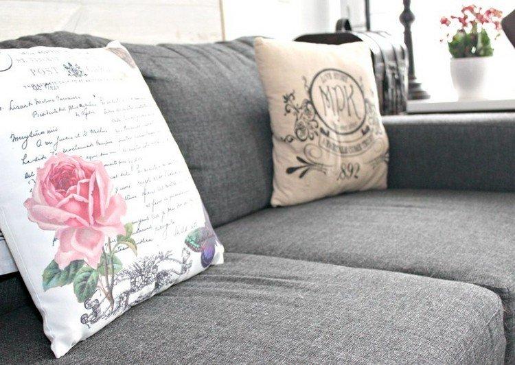 стиль шебби шик в интерьере гостиной фото серый диван подушки аксессуары декор