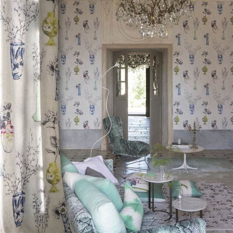 стиль шебби шик в интерьере гостиной фото эклектика много аксессуаров декора