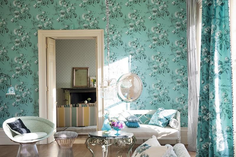 стиль шебби шик в интерьере гостиной фото зеленые обои с узором шторы
