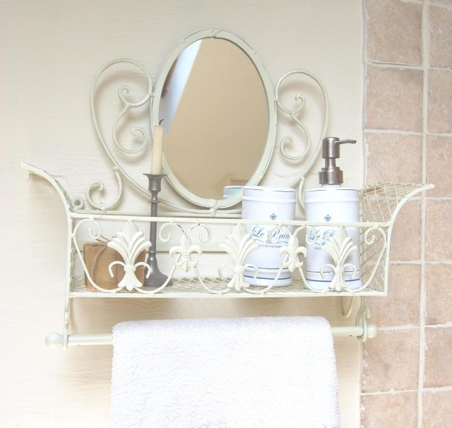 стиль шебби шик в интерьере ванной комнаты фото подставка аксессуары