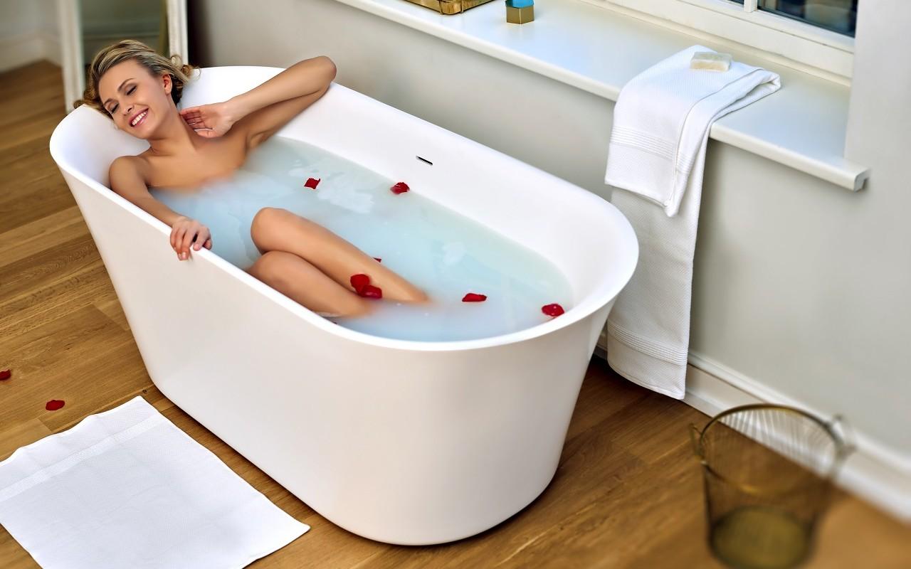 Роскошная ванна необычной формы 1