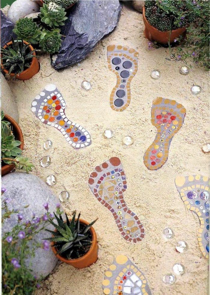 Дачная мозаика в саду своими руками 70