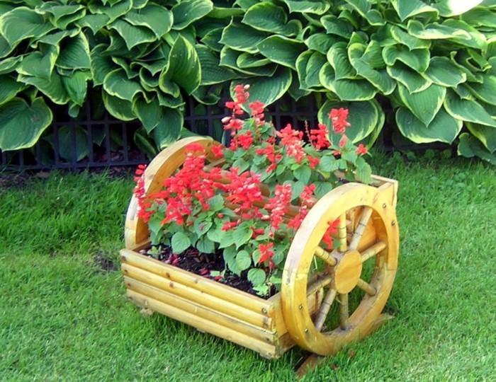 Как своими руками сделать декор в саду 429