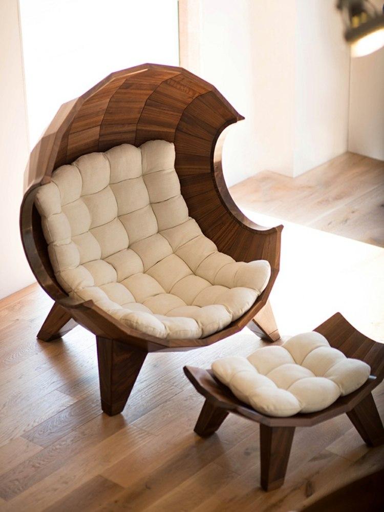 Дизайнерское кресло в форме ракушки