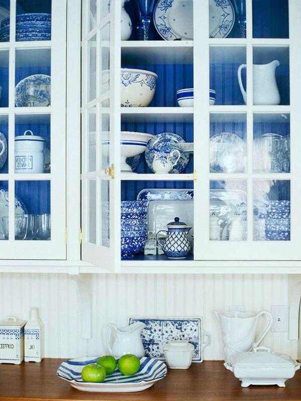 blaue-farbtöne-küche-geschirr