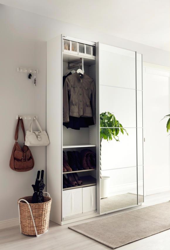 Удобный шкаф для одежды