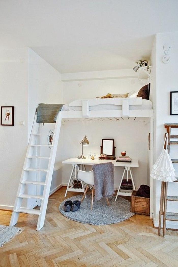 Двухъярусная кровать для взрослых с рабочей зоной