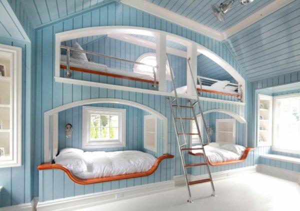 Двухъярусная кровать в стене