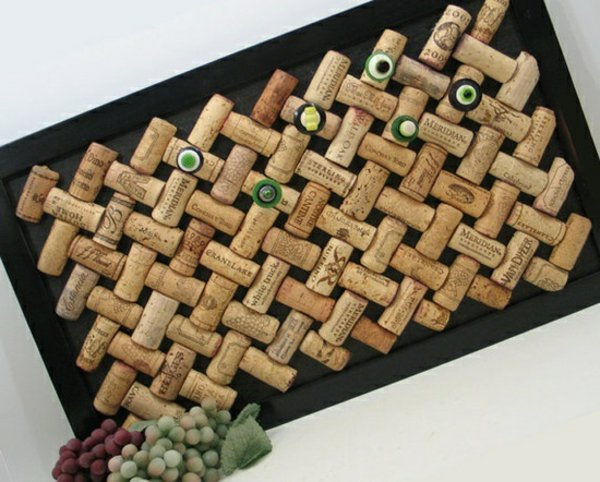 Картина из корковых винных пробок