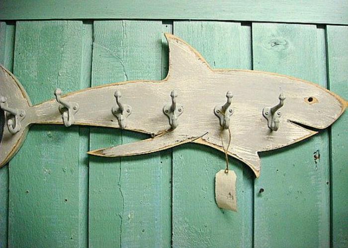 Крючки для одежды из металла с акулой