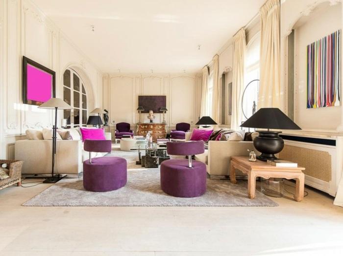 гостиная классика модерн фиолетовые кресла кремовые стены