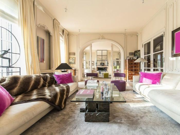 гостиная классическая обстановка фиолетовый цветовые акценты диванные подушки