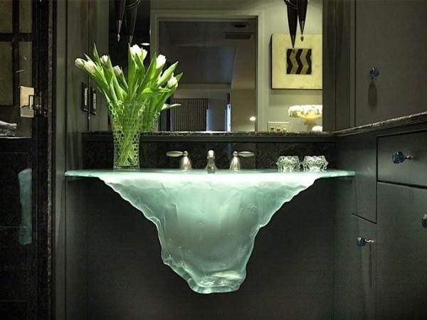 Стеклянная раковина-айсберг