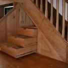 Что сделать под лестницей