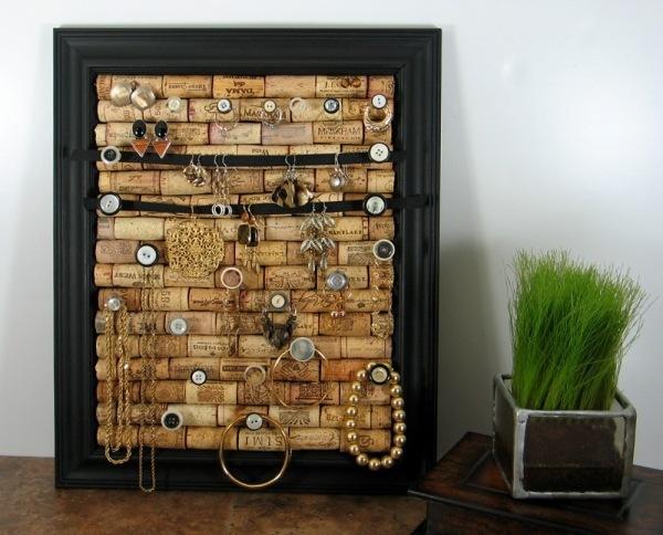 Держатель для украшений или пинборд из винных пробок