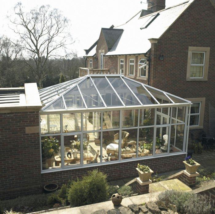 Фото: Большой зимний сад в частном доме