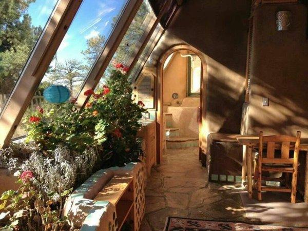 Фото: застекленная терраса в частном доме