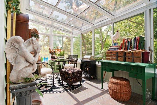 Зимний сад в качестве комнаты, где вы сможете заниматься любимым делом