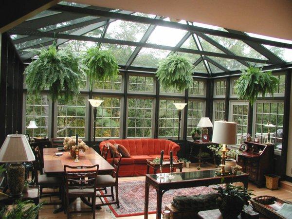 Фото: Большой зимний сад в частном доме в колониальном стиле
