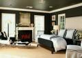 Черные стены и черный потолок в спальне