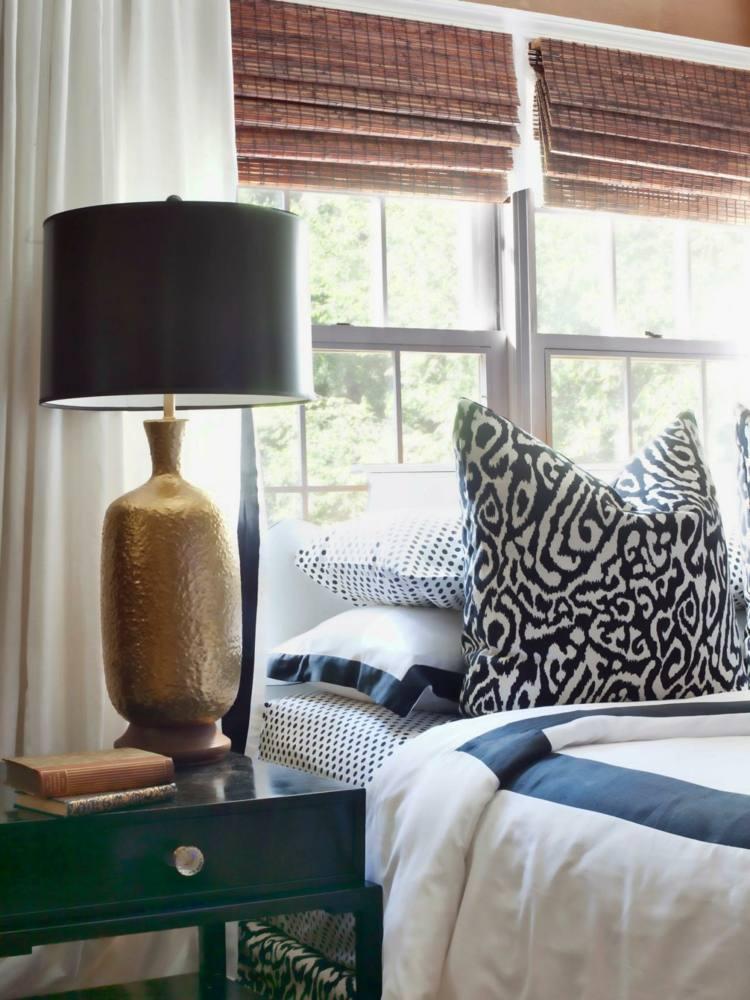 Деревянные шторы в спальне
