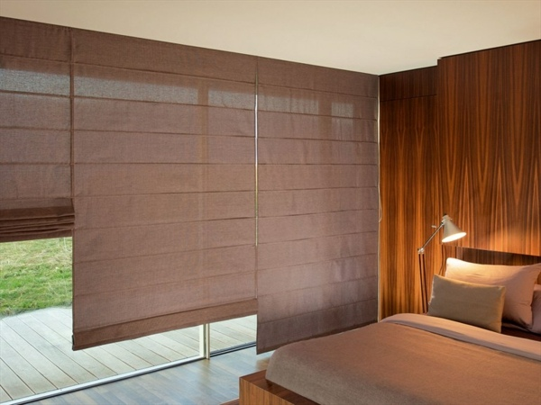 Светопроницаемые римские шторы для спальни