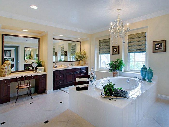 Зеленая римская штора в ванной комнате