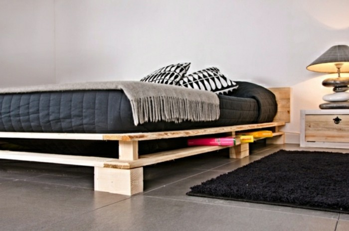 Идея, как легко сделать кровать
