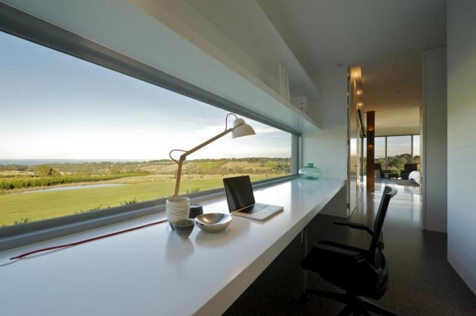 Столешница-подоконник с невероятным видом из окна