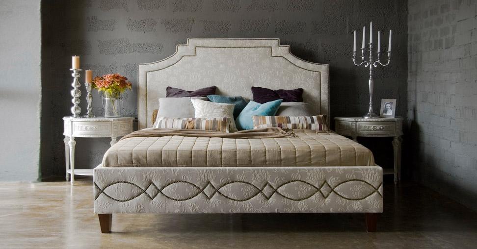 Красивая кровать премиум-класса
