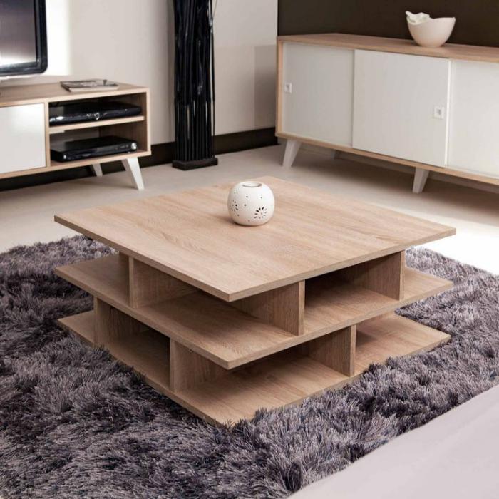 Необычный журнальный столик из дерева