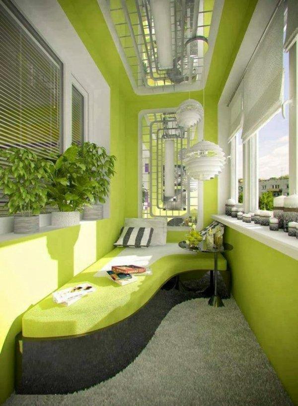 фото Яркий дизайн балкона-библиотеки