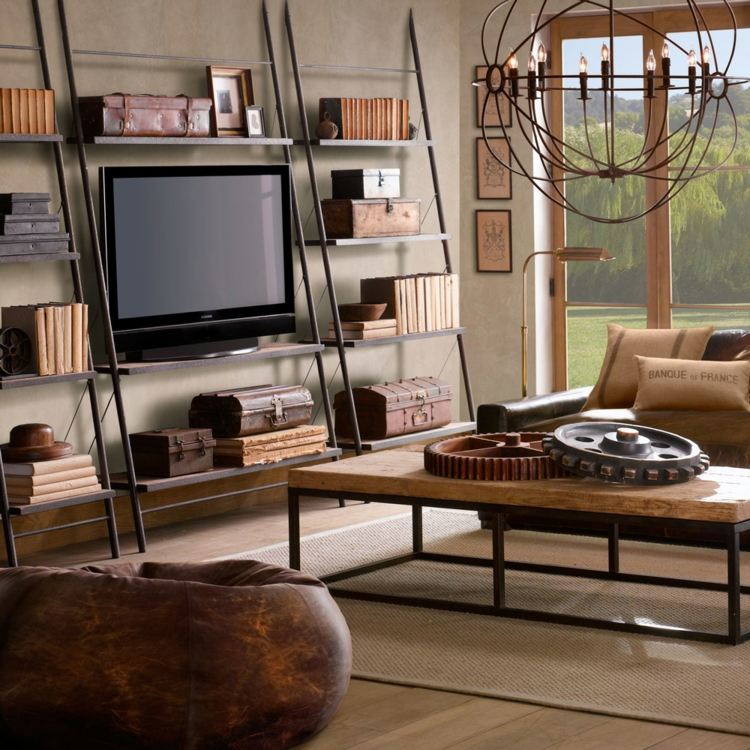 Гостиная в колониальном стиле с кожаным креслом-мешком